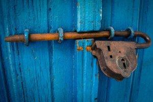 door-1587863_1280.jpg